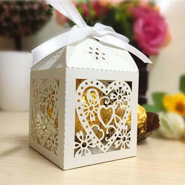 Boîte dentelle pour dragées et autres gourmandises WSBC0005